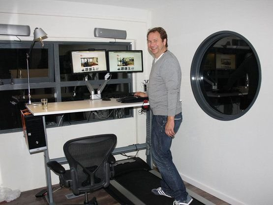 Michiel used his Oracle home working budget for a Walkdesk XL