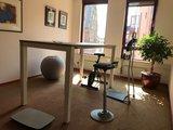 Muvman stof l Muvman stastoel | Ergnomische beweegkruk om fit te blijven op je werk | Worktrainer.nl