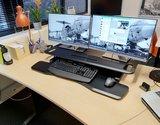 updesk cross gasveer bureauverhoger staan achter je bureau   ergonomisch kantoormeubilair   Worktrainer.nl