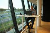 Fietsend achter bureau | Deskbike bureaufiets | Fiets je fit achter je bureau | Worktrainer.nl