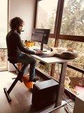 Actief samen met je kat | Deskbike bureaufiets | Fiets je fit achter je bureau | Worktrainer.nl