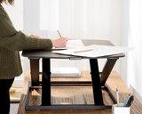 Ultra slim bureau verhoger  | kies voor een gezonde werkplek bezoek Worktrainer.nl