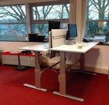 stabureaus met tussenscherm alle accessoires bij je zit-sta bureau koop je online bij Worktrainer.nl