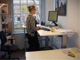 niet duur verstelbaar staand bureau