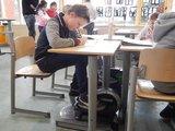 Bewegen in de klas | mini bike | fietsen aan je bureau | Worktrainer.nl