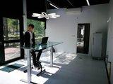 Jordy op de deskbike l Deskbike bureaufiets | Fiets je fit achter je bureau | Worktrainer.nl