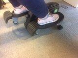 inmotion met pedalen | mini bike | fietsen aan je bureau | Worktrainer.nl