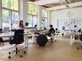zitbal ixxi kantoor| ergonomische zitballen | blijf in beweging op werk | Worktrainer.nl