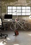 a140 cranck  | wissel staan en zitten achter je bureau af | Worktrainer.nl