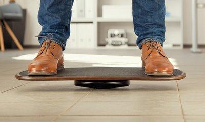 Hovoboard balansbord Gezond staan achter je bureau met onze ergonomische balansborden | Worktrainer.nl